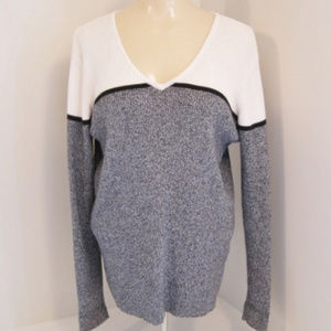 Karen Scott-V-Neck Sweater-White-Charcoal Gray-M